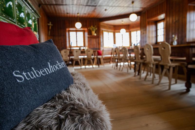 Anhalter Hütte 2042m