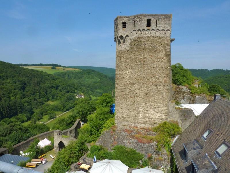 Burg Hohenstein 240m