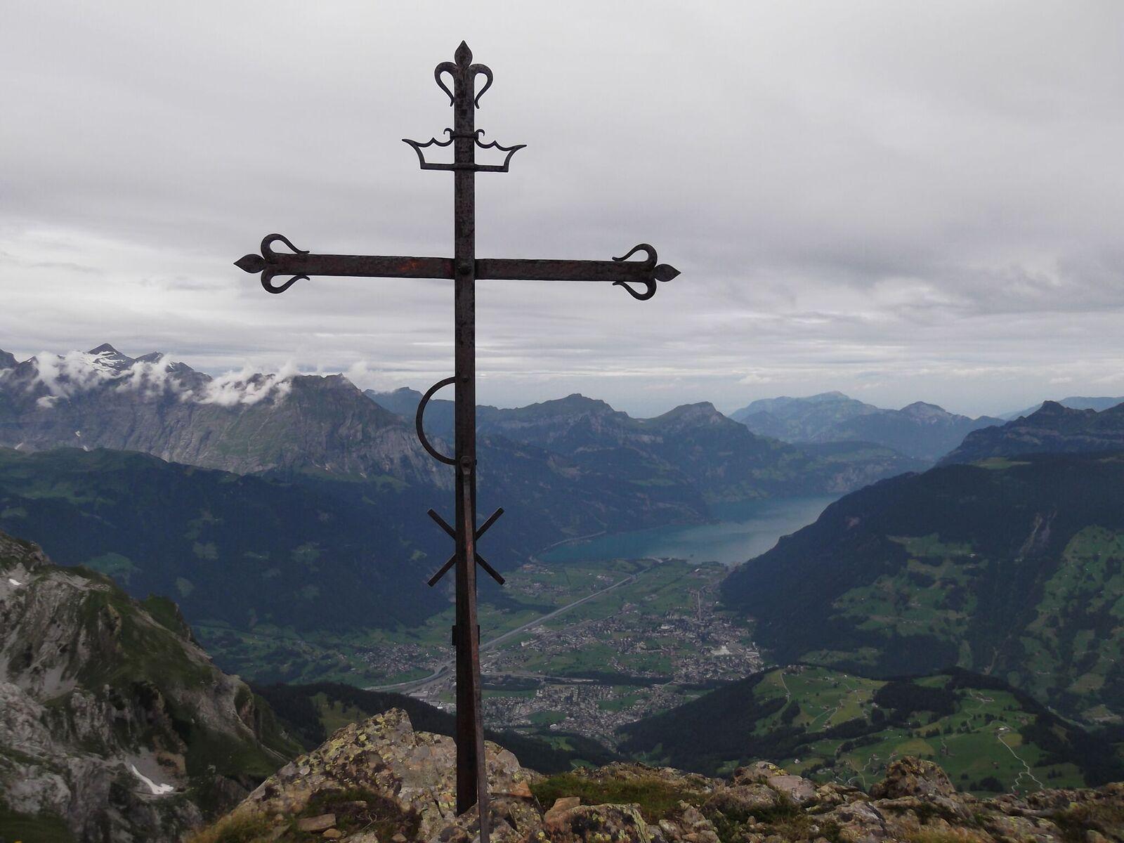 Klettersteig Bälmeten : Ruchenhüttli hoch fulen seewlialp wandern